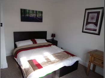 EasyRoommate UK - beautiful dbl en-suite room - Brimington, Chesterfield - £400 pcm
