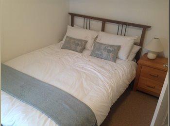Lovely double room, South Croydon