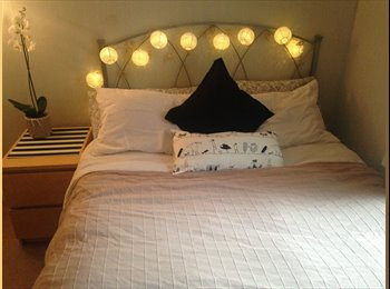 EasyRoommate UK - Double en-suite with private living room - Elephant and Castle, London - £650 pcm