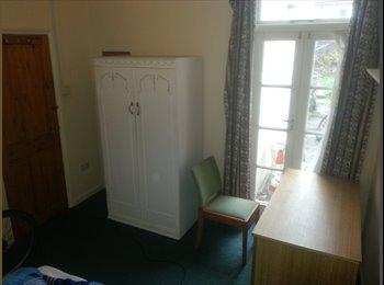 £240 per month for double bedroom in Harold Road