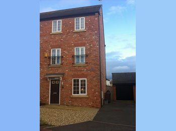 EasyRoommate UK - Dbl en-suite Professional 5 way share -Hoole  - Upton, Chester - £500 pcm