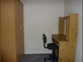 EasyRoommate UK - Single bedroom in South Ashford close to station - Ashford, Ashford - £300 pcm