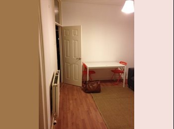 EasyRoommate UK - 4 bedroom house for rent in Cathays - Cathays, Cardiff - £300 pcm