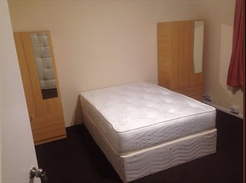 Spacious newly refurbished double room in house share just...