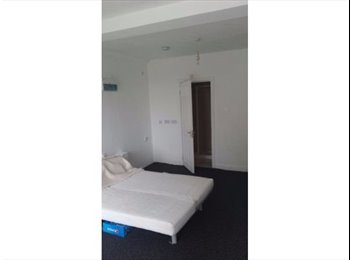 EasyRoommate UK - 195£PW Ensuite Double Room Beautiful House - Cricklewood, London - £850 pcm