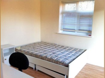 W5 Double Room Great Location  Close to Tube station