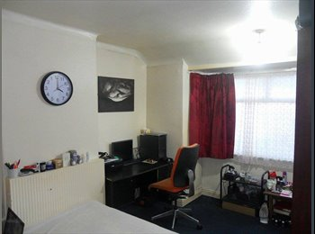EasyRoommate UK - Winifred ave 39 - 20 minutes to University by foot  - Earlsdon, Coventry - £380 pcm