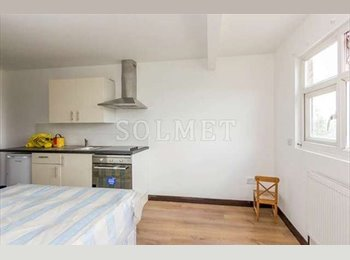 NW6 Studio Single ideally located close to Tube station