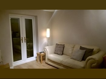 EasyRoommate UK - One bed roomed detached workshop conversion open plan, semi rural location - Saughall, Chester - £470 pcm