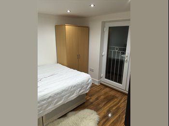 EasyRoommate UK - double room in house share  - Bexleyheath, London - £560 pcm
