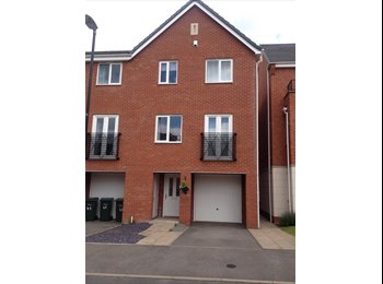 EasyRoommate UK - New build immaculate furnished - Holbrooks, Coventry - £475 pcm