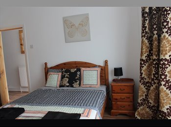 EasyRoommate UK - Large double bedroom 30 seconds walk from City Airport DLR station and City Airport within a four be - North Woolwich, London - £700 pcm