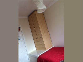 EasyRoommate UK - Friendly Single Room to Rent - Furze Platt, Maidenhead - £277 pcm