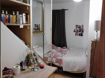 EasyRoommate UK - Lovely double room available in modern student house! - Fallowfield, Manchester - £433 pcm