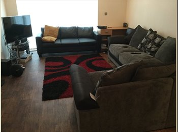 EasyRoommate UK - Double bedroom,furnished with bed and built in wardrobe  - Droylsden, Manchester - £260 pcm