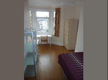 EasyRoommate UK - //AMAZING ROOM!AMAZING PRICE! FULLY FURNISHED! TURNPIKE LANE - Seven Sisters, London - £630 pcm