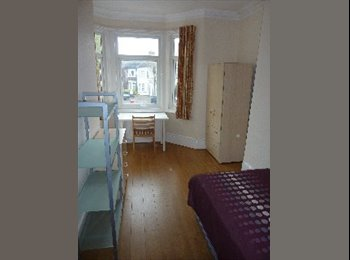 EasyRoommate UK - ~~FULLY FURNISHED ROOM!TURNPIKE LANE,AMAZING PRICE - Turnpike Lane, London - £630 pcm