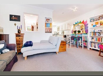 EasyRoommate UK - Islington Apartment Zone 1 - Islington, London - £950 pcm