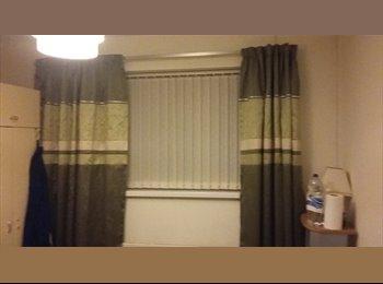 EasyRoommate UK - furnished room  - Clayton, Bradford - £350 pcm