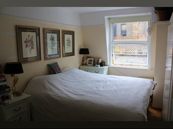 EasyRoommate UK - Double room single use available in mews house! - Earls Court, London - £1,180 pcm