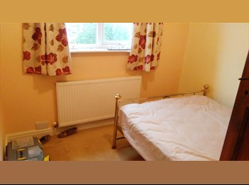 EasyRoommate UK - One double and one single room available in spacious house - Selly Oak, Birmingham - £400 pcm
