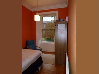 EasyRoommate UK - Large city centre flat just off the Meadows - Edinburgh Centre, Edinburgh - £455 pcm