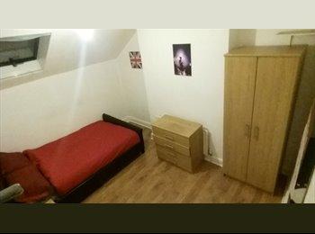 EasyRoommate UK - House Share in Nottingham - Arnold, Nottingham - £300 pcm