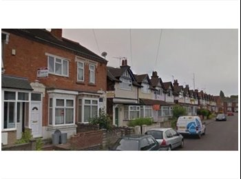 EasyRoommate UK - GREAT VALUE DOUBLE ROOM FOR RENT - AVAILABLE NOW - SELLY OAK - FOUR BEDROOM HOUSE - Selly Oak, Birmingham - £300 pcm