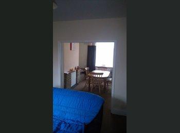 EasyRoommate UK - Single room to rent in Kettring! - Kettering, Kettering - £300 pcm