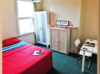 EasyRoommate UK - Traditionally built house with 7 rooms in a good price! - Seven Sisters, London - £568 pcm