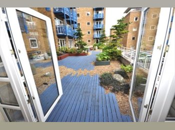 EasyRoommate UK - MODERN LARGE DOUBLE ROOM IN LIMEHOUSE ALL INCL - Wapping, London - £699 pcm
