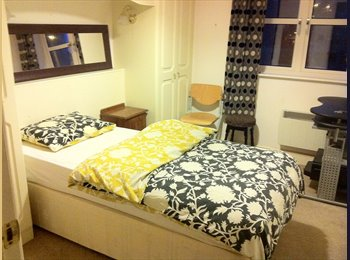 EasyRoommate UK - Single Room in shared flat - Exeter, Exeter - £390 pcm