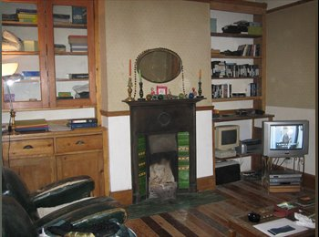 Amazing Value Double Bedsit in Great Condition