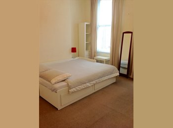EasyRoommate UK - Short term spacious double room available in Dalston - Dalston, London - £700 pcm
