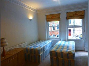 EasyRoommate UK - Twin Room to Share, Couples! - West Kensington! - West Kensington, London - £1,040 pcm