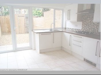 EasyRoommate UK - Fully Refurbished Town House with 5 beds & 3 bathrooms - Conniburrow, Great Linford - £550 pcm