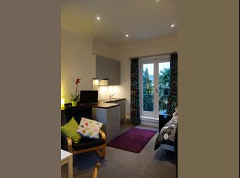 EasyRoommate UK - A SUNNY SELF CONTAINED DOUBLE ROOM - Acton, London - £825 pcm