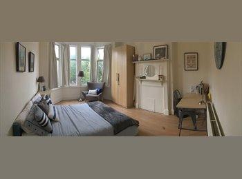 EasyRoommate UK - Large double room in Kensal RIse - Queens Park, London - £1,000 pcm