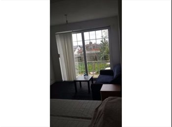 EasyRoommate UK - Ensuit Room , Beautiful house, Station 10 minDouble  Walk - Cricklewood, London - £850 pcm