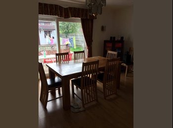 Spacious Double Room in West Acton (Central Line) 670...
