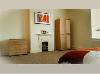 EasyRoommate UK - 3 double rooms available in Moseley - Moseley, Birmingham - £430 pcm