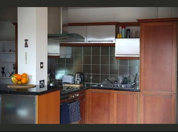 Nice double room available to rent in a stunning flat in...