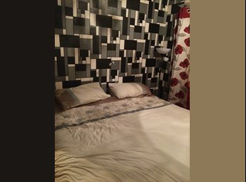 EasyRoommate UK - Female to share to a double room - Patchway, Bristol - £450 pcm