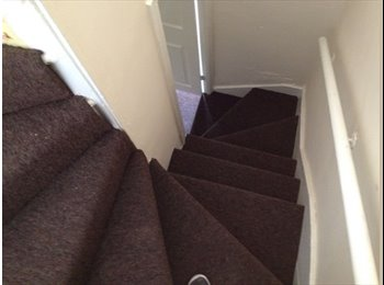 EasyRoommate UK - 2 Bed House - Whole or to share - Harehills, Leeds - £550 pcm