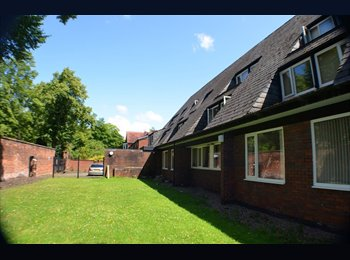 EasyRoommate UK - Lovely Double Rooms in Whalley Range-NO DEPOSIT! - Whalley Range, Manchester - £380 pcm