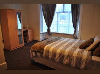 EasyRoommate UK - Beautiful Spacious Rooms Newly Refurbished - Sedgley, Dudley - £475 pcm