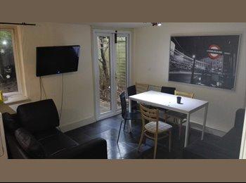 EasyRoommate UK - Short term to let. Amazing twin room in willesden green!! - Willesden, London - £700 pcm