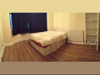 EasyRoommate UK - Great Double Room in South Harrow - Harrow, London - £150 pcm