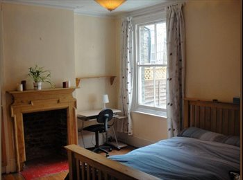 EasyRoommate UK - Big Double Room in Large Flat - Fulham, London - £960 pcm