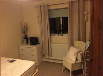 Large furnished double room to rent